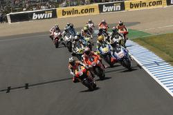 Start: Dani Pedrosa, Repsol Honda Team leads the field