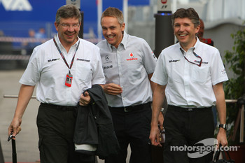 Ross Brawn Team Principal, Brawn GP, Martin Whitmarsh, McLaren, Chief Executive Officer and Nick Fry, BrawnGP, Chief Executive Officer