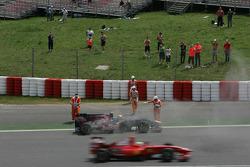 Sebastien Buemi, Scuderia Toro Rosso stopped on the circuit