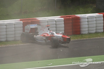 Jarno Trulli, Toyota F1 Team crashes