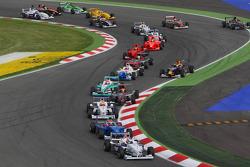 Start, Michael Christensen, Muecke Motorsport leads Luiz Felipe Nasr, Eurointernational
