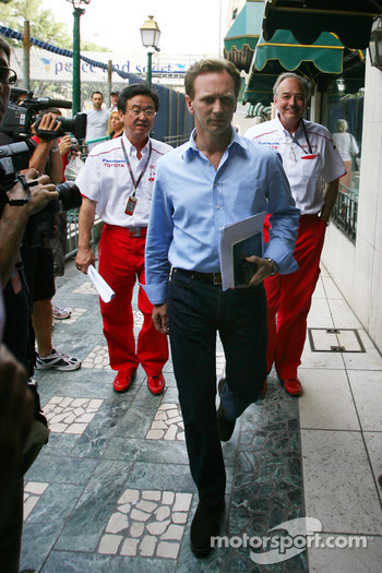 Christian Horner, Red Bull Racing, Sporting Director goes to the meeting with Bernie Ecclestone and Max Mosley at the ACM.
