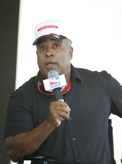 Willy T. Ribbs talks with the crowd on Carb Day