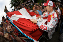 Tom Kristensen with Danish fans