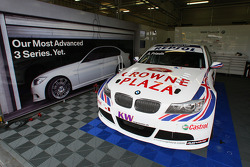 Pit of Andy Priaulx, BMW Team UK, BMW 320si