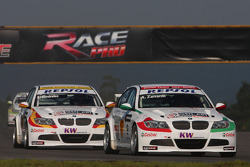 Alex Zanardi, BMW Team Italy-Spain, BMW 320si and Sergio Hernandez, BMW Team Italy-Spain, BMW 320si