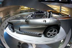 Fascination of technology: 2001 Mercedes-Benz F 400 Carving