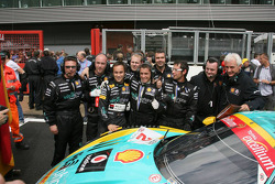 Pole winner Alex Müller, Vitaphone Racing Team Maserati MC12 poses with his team
