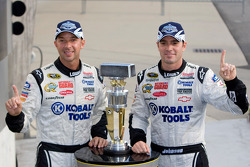 Victory lane: race winner Jimmie Johnson, Hendrick Motorsports Chevrolet with crew chief Chad Knaus