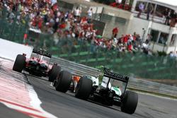 Kimi Raikkonen, Scuderia Ferrari anf Giancarlo Fisichella, Force India F1 Team