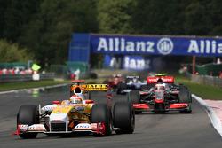 Fernando Alonso, Renault F1 Team, Heikki Kovalainen, McLaren Mercedes