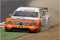 Gary Paffett, Team HWA AMG Mercedes AMG Mercedes C-Klasse runs wide at Paddock