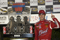Victory lane: race winner Kasey Kahne, Richard Petty Motorsports Dodge