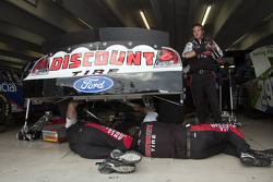 The Discount Tire crew gets ready to practice