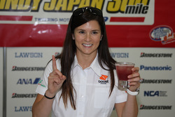 Danica Patrick, Andretti Green Racing does a taste test