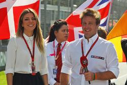 Federica Masolin, Sky F1 Italia Presenter with Luca Filippi, Sky Sports F1 TV Presenter on the grid