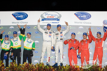 Class winners podium: P2 winners Butch Leitzinger, Marino Franchitti and Ben Devlin, P1 and overall winners Stéphane Sarrazin and Franck Montagny, GT2 winners Mika Salo, Jaime Melo and Pierre Kaffer