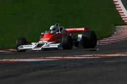 #26 Frank Lyons McLaren M26