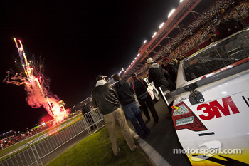 Greg Biffle, Roush Fenway Racing Ford watches pre-race fireworks