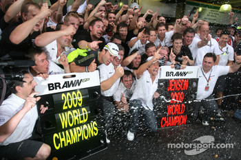 Rubens Barrichello, Brawn GP, Ross Brawn Team Principal, Brawn GP and Jenson Button, Brawn GP