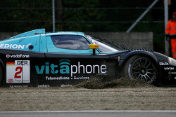 Incident at the Gilles-Villeneuve chicane: #2 Vitaphone Racing Team Maserati MC 12: Miguel Ramos, Alex Müller