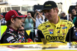 Jeff Gordon, Hendrick Motorsports Chevrolet and Clint Bowyer, Richard Childress Racing Chevrolet