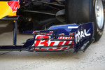 The new Red Bull RB6, front wing