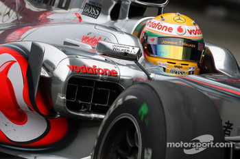 Lewis Hamilton, McLaren Mercedes, running a sensor in the sidepods