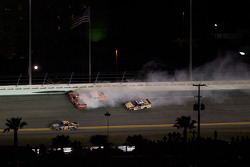 Bill Elliott, Wood Brothers Racing Ford, Joey Logano, Joe Gibbs Racing Toyota and Boris Said, Latitude 43 Motorsports Ford crash