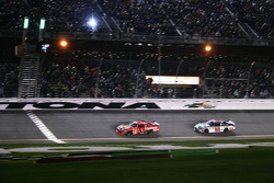 Jamie McMurray, Earnhardt Ganassi Racing Chevrolet lead Dale Earnhardt Jr., Hendrick Motorsports Chevrolet to the checkered flag
