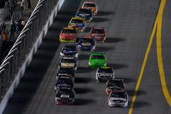 Ryan Newman, Stewart-Haas Racing Chevrolet and Dale Earnhardt Jr., Hendrick Motorsports Chevrolet battle