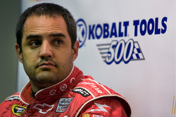 Juan Pablo Montoya, Earnhardt Ganassi Racing Chevrolet in the post-qualifying press conference