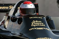 Mario Andretti, 1978 F1-wereldkampioen, bestuurt de 1978 Lotus 79