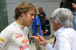 Sebastian Vettel, Red Bull Racing talking with Bernie Ecclestone