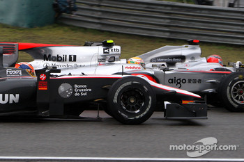 Karun Chandhok, Hispania Racing F1 Team, Lewis Hamilton, McLaren Mercedes, Michael Schumacher, Mercedes GP