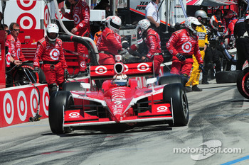 Scott Dixon, Target Chip Ganassi Racing leaves the pits