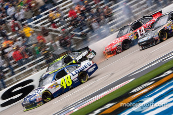 Jeff Gordon, Hendrick Motorsports Chevrolet and Tony Stewart, Stewart-Haas Racing Chevrolet involved in a multi car wreck