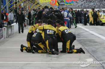 Jeff Burton's, Caterpillar Chevrolet crew