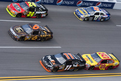 Jeff Gordon, Hendrick Motorsports Chevrolet, David Ragan, Roush Fenway Racing Ford, Denny Hamlin, Joe Gibbs Racing Toyota, Kevin Harvick, Richard Childress Racing Chevrolet, Marcos Ambrose, JTG Daugherty Racing Toyota