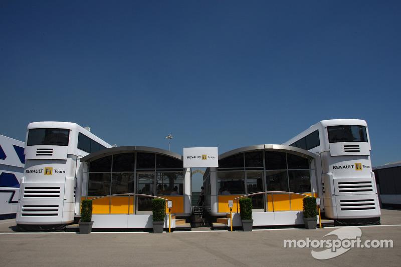 Renault F1 Motorhome