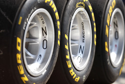 Pirelli tye and logo