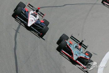 Helio Castroneves, Team Penske, Dan Wheldon, Panther Racing