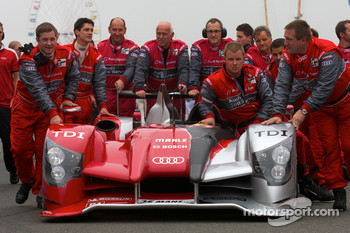 #8 Audi Sport Team Joest Audi R15 on starting grid