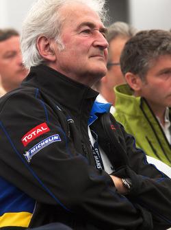 Team Peugeot press conference: Hugues de Chaunac