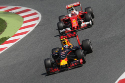 Max Verstappen, Red Bull Racing RB12 leads Kimi Raikkonen, Ferrari SF16-H