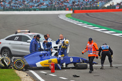 Marcus Ericsson, Sauber C35 crashed in the third practice session