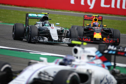 Nico Rosberg, Mercedes AMG Petronas F1 W07 and Max Verstappen, Red Bull Racing RB12