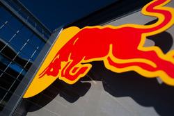 Logo: Red Bull