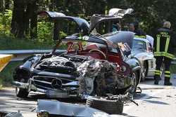 Mercedes-Benz 300SL Gullwing totally destroyed after a crash