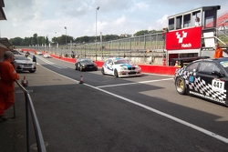 Queue in the pit lane